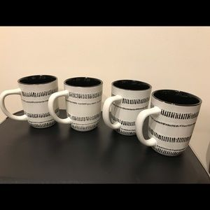 RARE Hearth & Hand Magnolia Stoneware Mugs Set 4